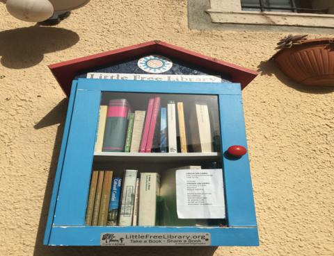 """Una biblioteca smart al centro, nel capoluogo lucano. """"Little free Library""""."""