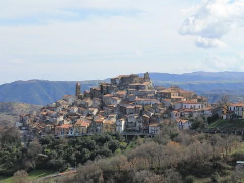 San Martino d'Agri: alle pendici del monte Raparo